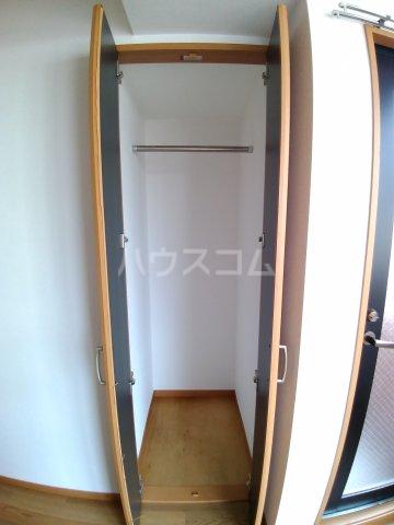ビラ・デ・ローゼ 202号室の玄関