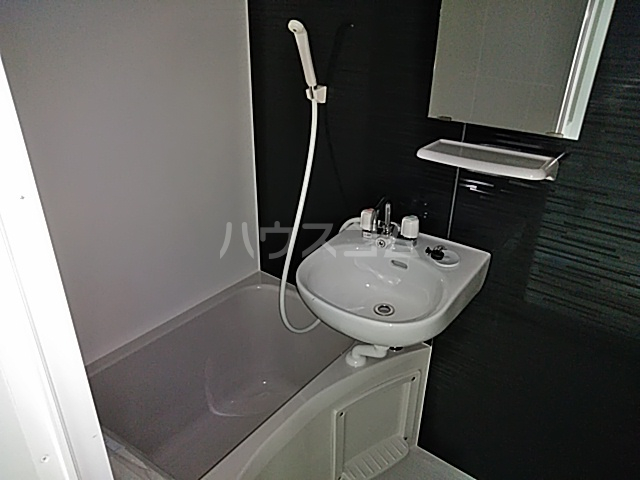 プライムテラス立川羽衣町 102号室の風呂