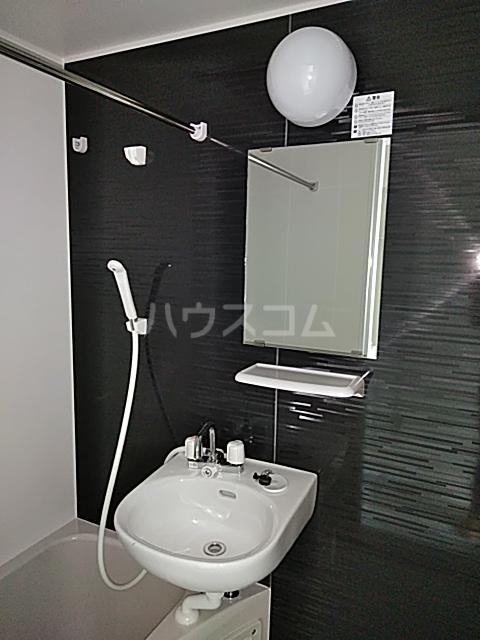 プライムテラス立川羽衣町 102号室の洗面所