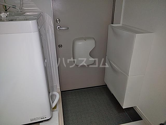 プライムテラス立川羽衣町 203号室の玄関