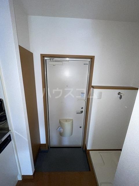 La-famille mikko A-1号室の玄関