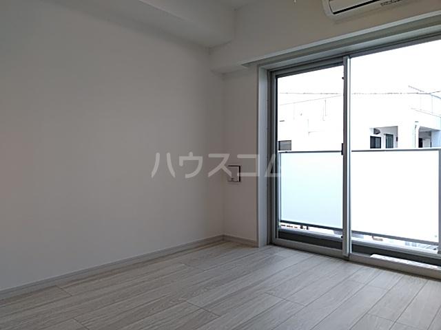 メインステージ立川Ⅲ 302号室の居室