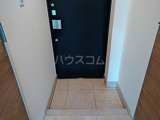 メインステージ立川Ⅲ 302号室の玄関