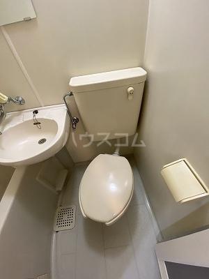 ルミエール光町 401号室のトイレ