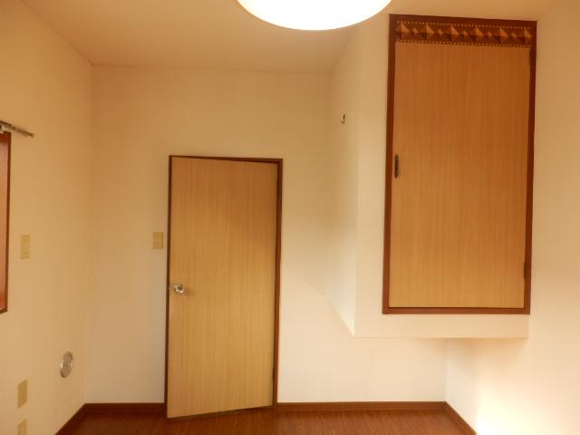 スカイハイツ 201号室のリビング