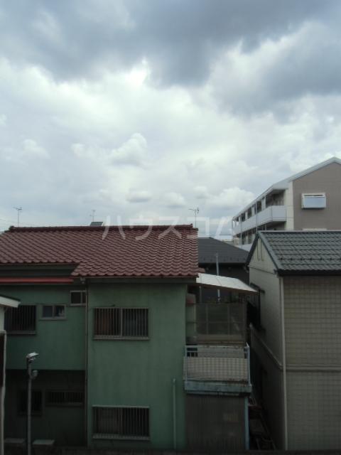 ハイネス渡田 304号室のリビング