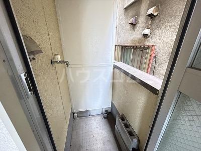 グランドール・ミズノ 201号室の玄関