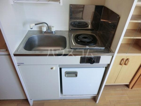 芙蓉ハイネス 201号室のキッチン