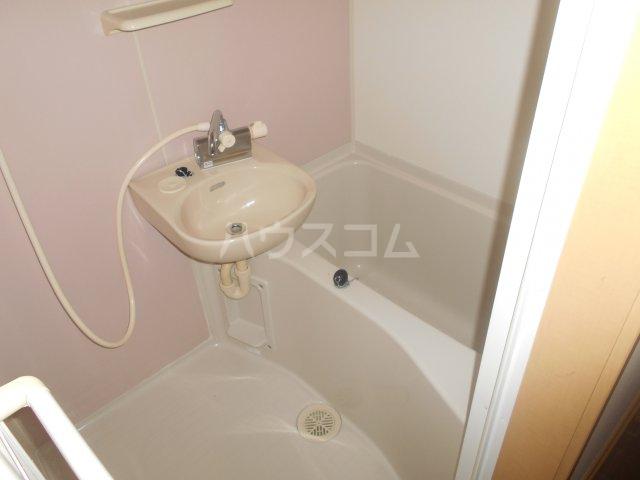 ディアコート東白楽 105号室の風呂