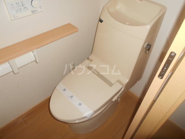 ディアコート東白楽 105号室のトイレ