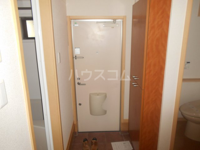 ディアコート東白楽 105号室の玄関