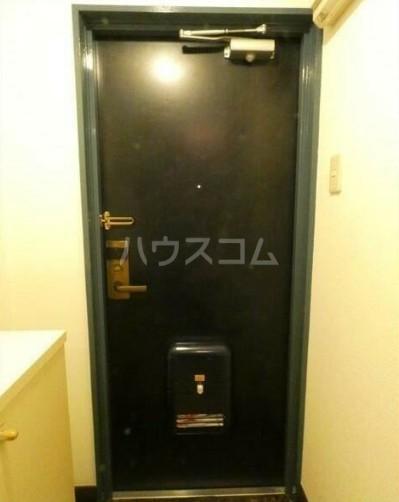 PALACE東神奈川 202号室の玄関