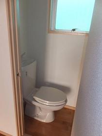 大南マンション 103号室のトイレ