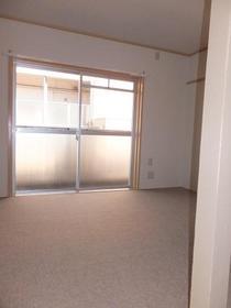 大南マンション 103号室のベッドルーム