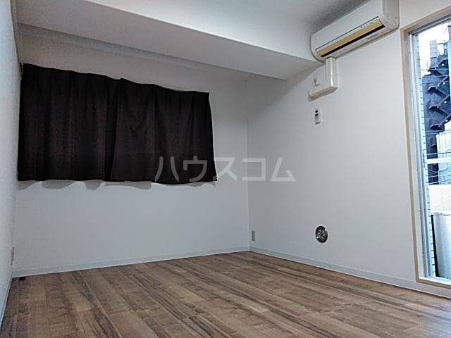 メゾン・ド・ノア・ロゼ錦町 0301号室のリビング