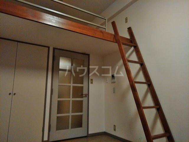 メゾンシャレー 103号室のリビング