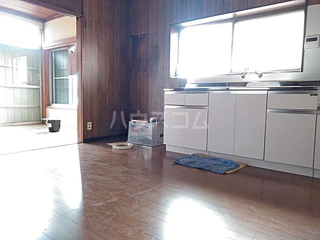 太田ハイツ 2号室のリビング
