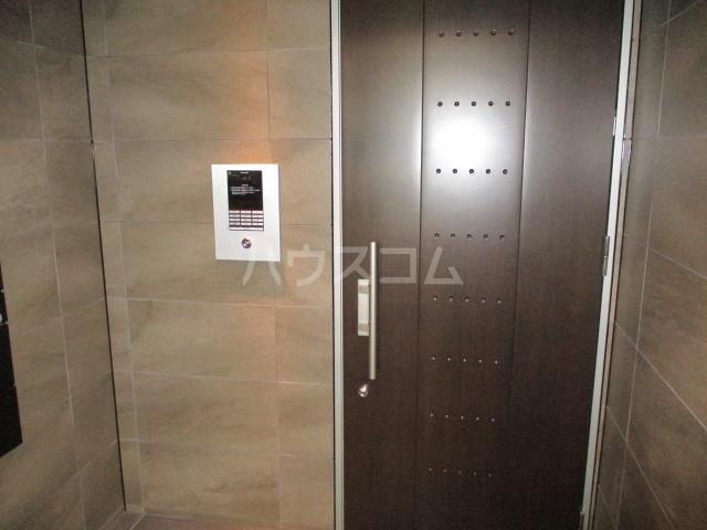 レラ武蔵新城 102号室のエントランス