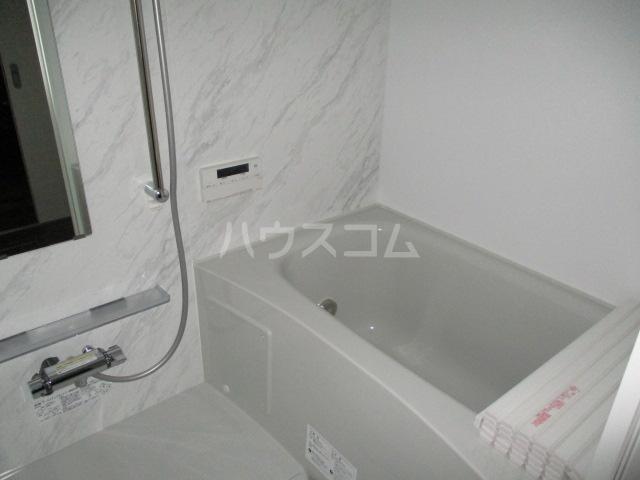 レラ武蔵新城 102号室の風呂