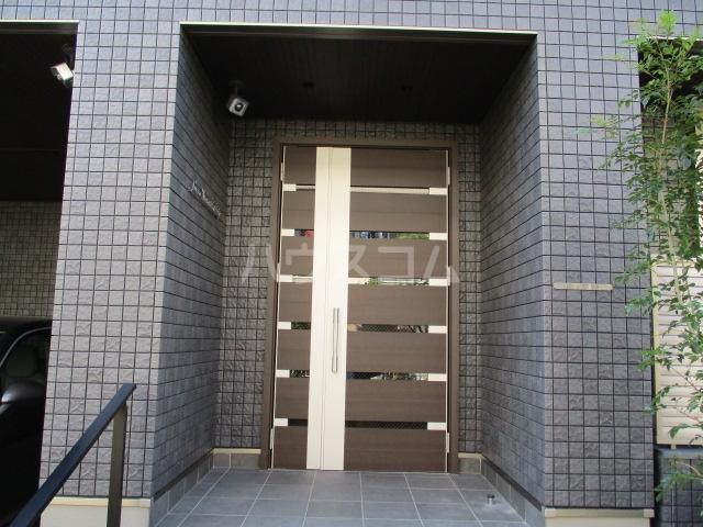 レラ武蔵新城 103号室のエントランス