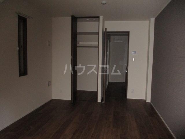 レラ武蔵新城 103号室のリビング