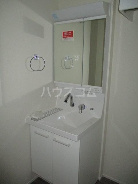 レラ武蔵新城 103号室の洗面所