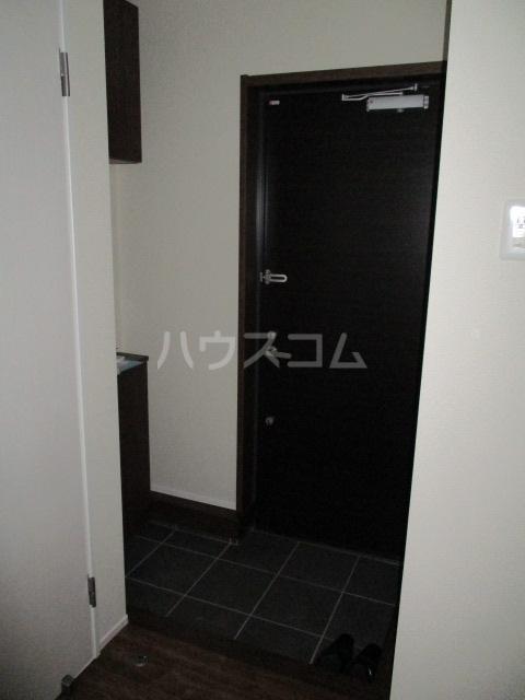レラ武蔵新城 103号室の玄関
