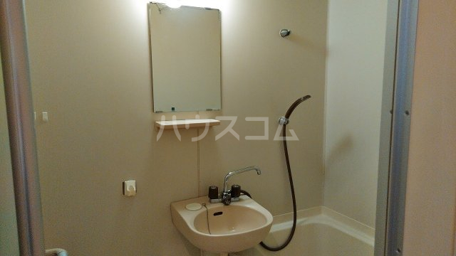 クリオコート西府Ⅰ-B 101号室の洗面所