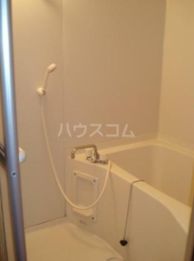 コートハウスⅢ 201号室の風呂