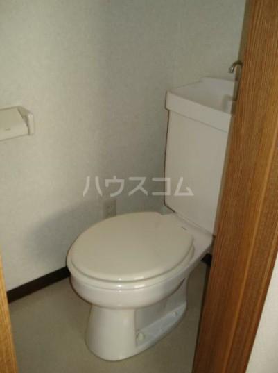 コートハウスⅢ 201号室のトイレ
