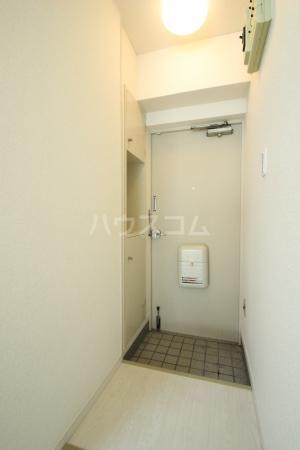 アミアス大森 303号室の玄関