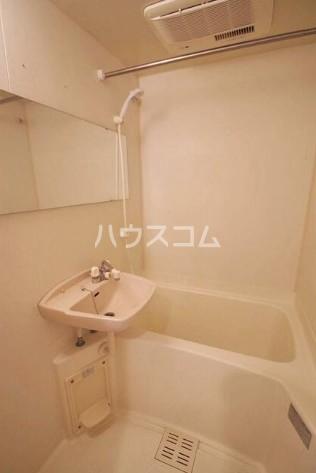 ホームズ桜坂 101号室の洗面所