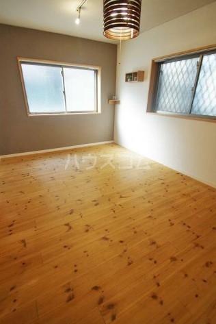 ホームズ桜坂 101号室のベッドルーム