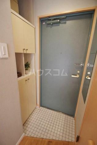 ホームズ桜坂 101号室の玄関