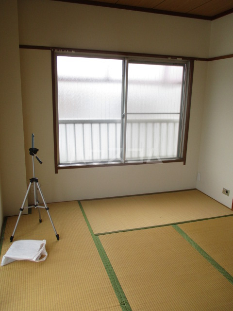 第一豊田ハイツ 3-A号室の居室