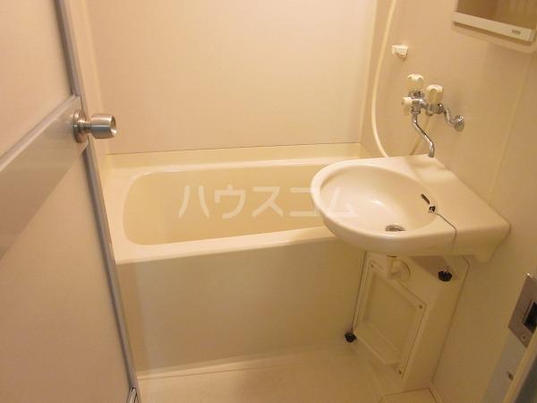 トーレタケダ 205号室の風呂