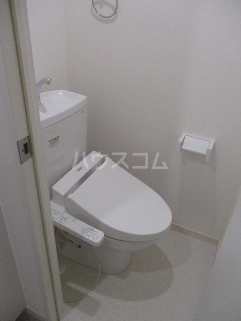 ブロッサムテラス池上 302号室のトイレ