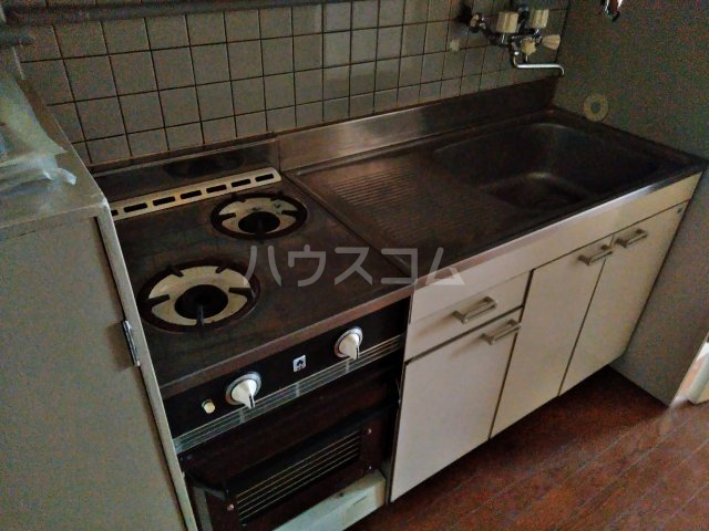 ニュー木原山ロッヂ 303号室のキッチン