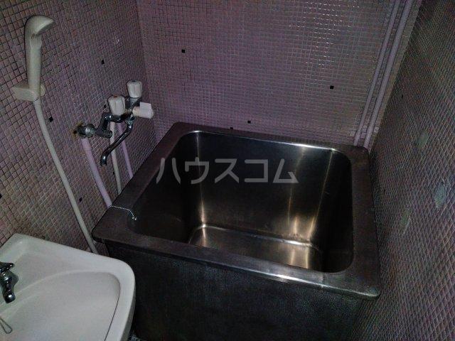 ニュー木原山ロッヂ 303号室の風呂