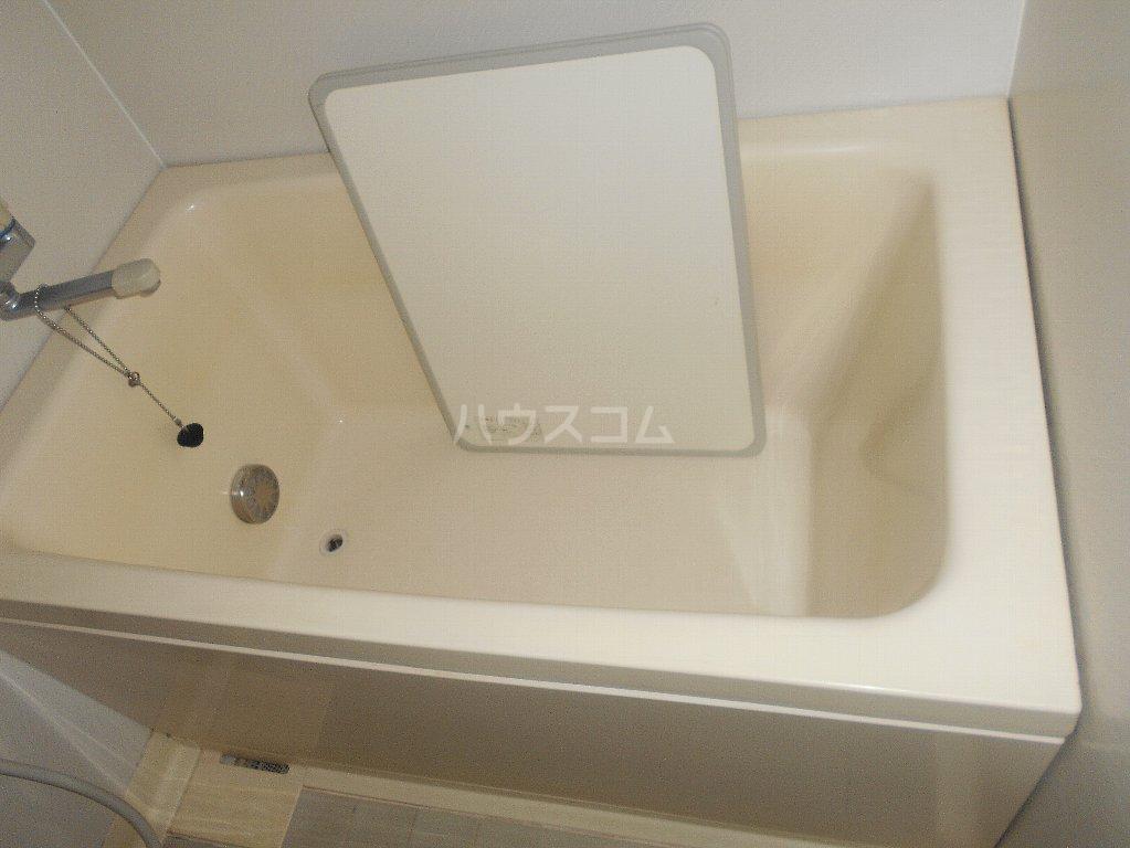 ラフォーレ大倉山 102号室の風呂