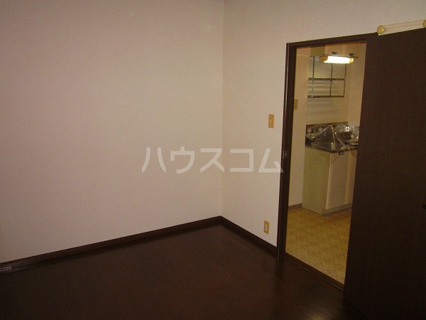 國恵ハイムC棟 102号室のリビング