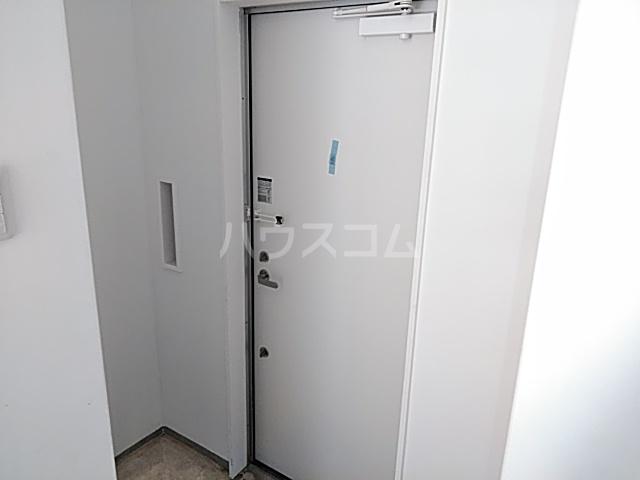日吉戸建ての玄関