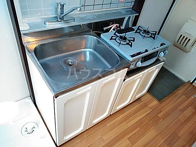 サンドゥエール日吉B 101号室のキッチン