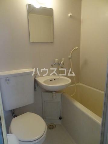 ネオハイツ647 201号室の洗面所