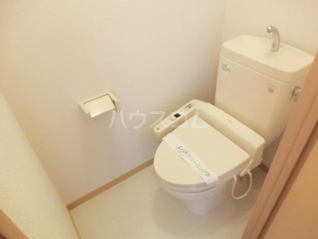 マ・メゾン大倉山 108号室のトイレ