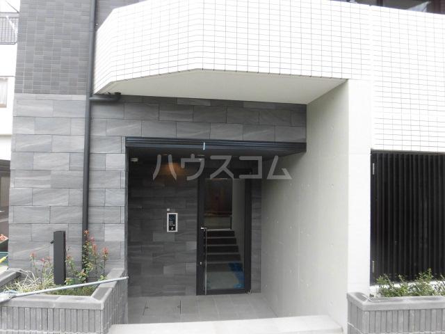 目黒区中央町YKマンション 401号室のエントランス