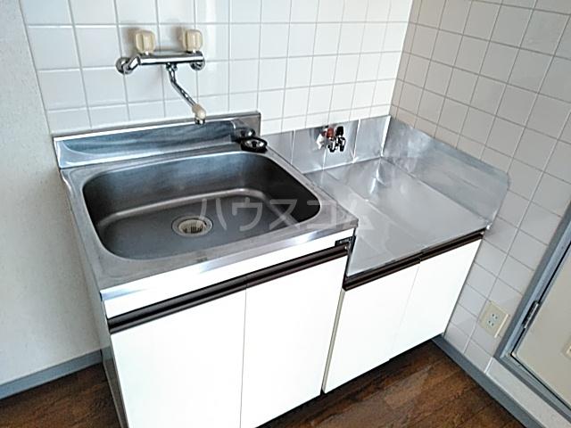 クレール日吉 203号室のキッチン