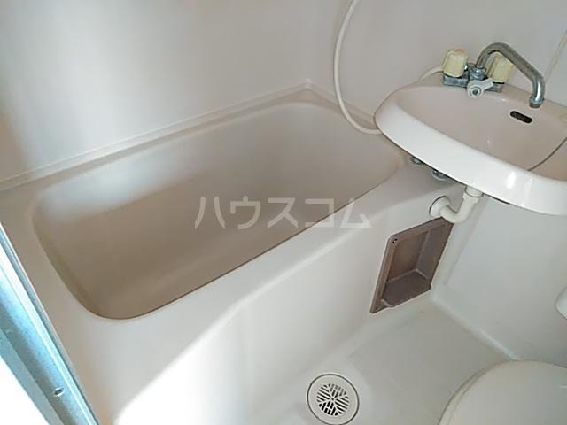 クレール日吉 203号室の風呂