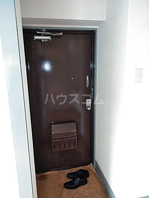 クレール日吉 203号室の玄関
