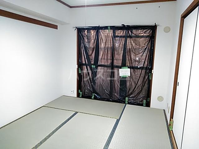 メ・ジャーモ広町 401号室の居室